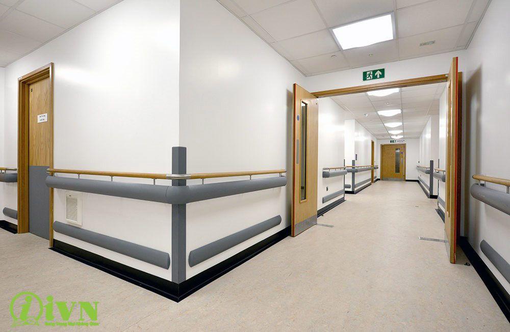 Những điều cần biết về tay vịn hành lang cho bệnh viện hiện nay   1