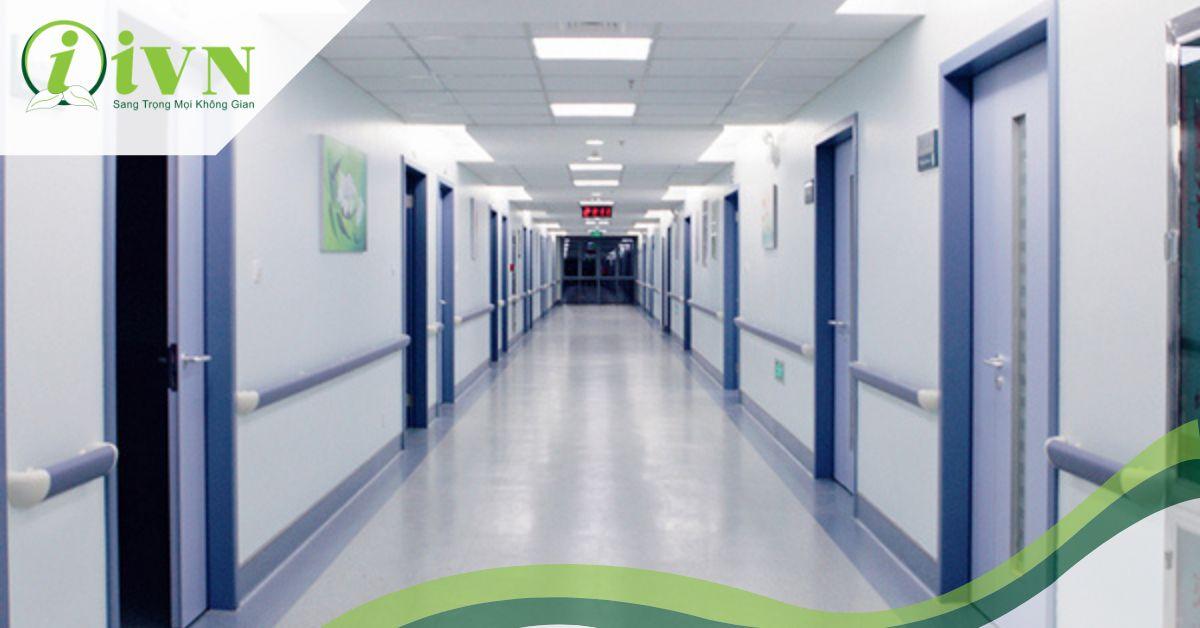 Những lợi ích của tay vịn hành lang bệnh viện