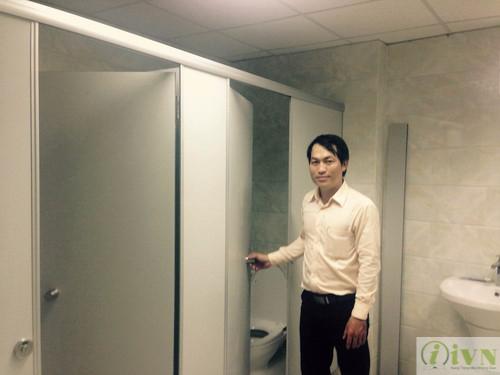 giám sát công trình thi công vách ngăn vệ sinh