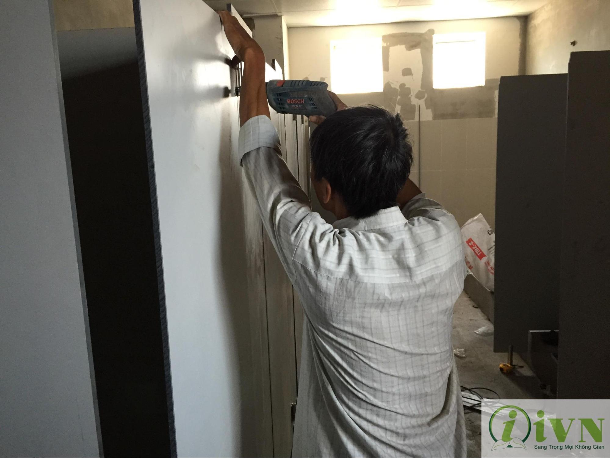 công trình thi công vách ngăn vệ sinh của iVN (2)