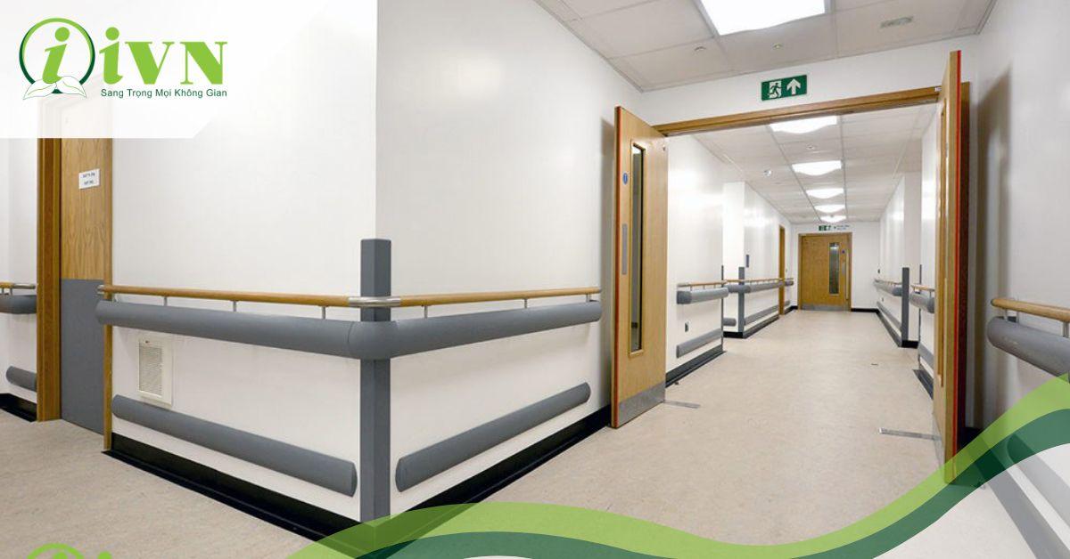 Tầm quan trọng của tay vịn hành lang bệnh viện hiện nay
