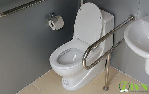 các mẫu tay vịn nhà vệ sinh (2)