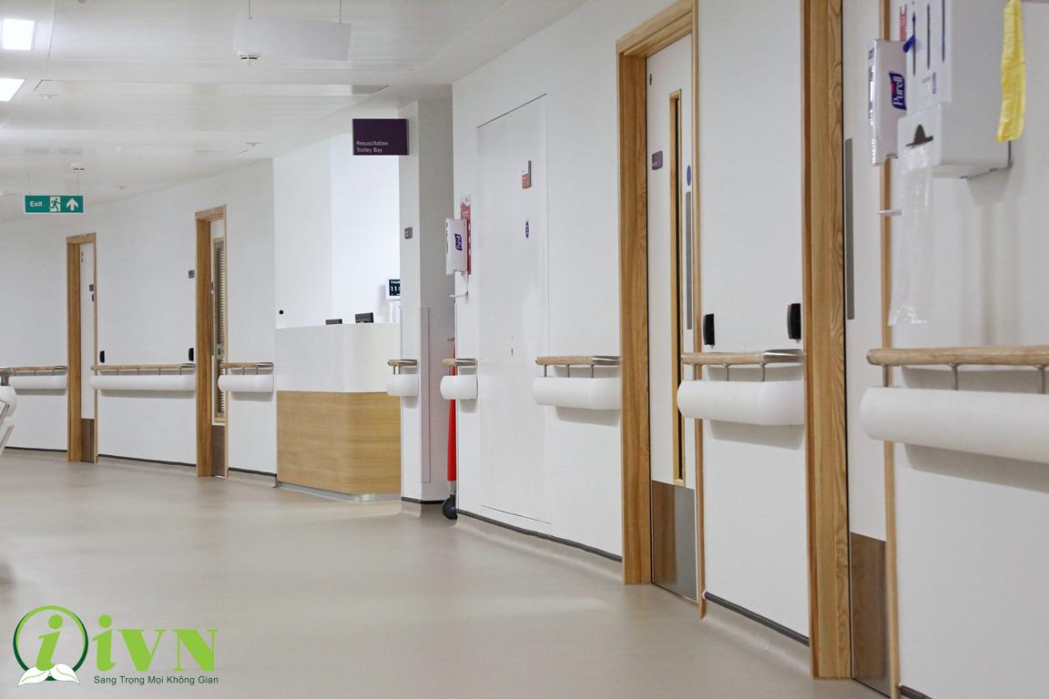 tầm quan trọng của tay vịn hành lang bệnh viện đối với người khuyết tật