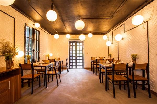 Chú ý đến trần nhà khi tối ưu không gian nhà hàng