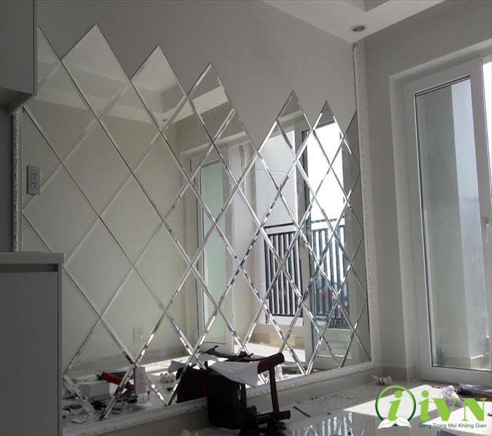 Tấm ốp tường kính