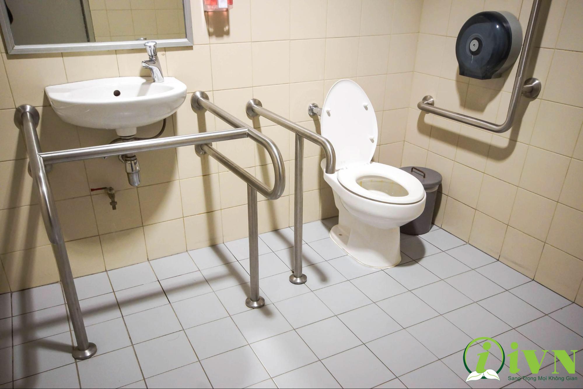 tay vịn nhà vệ sinh cho người già