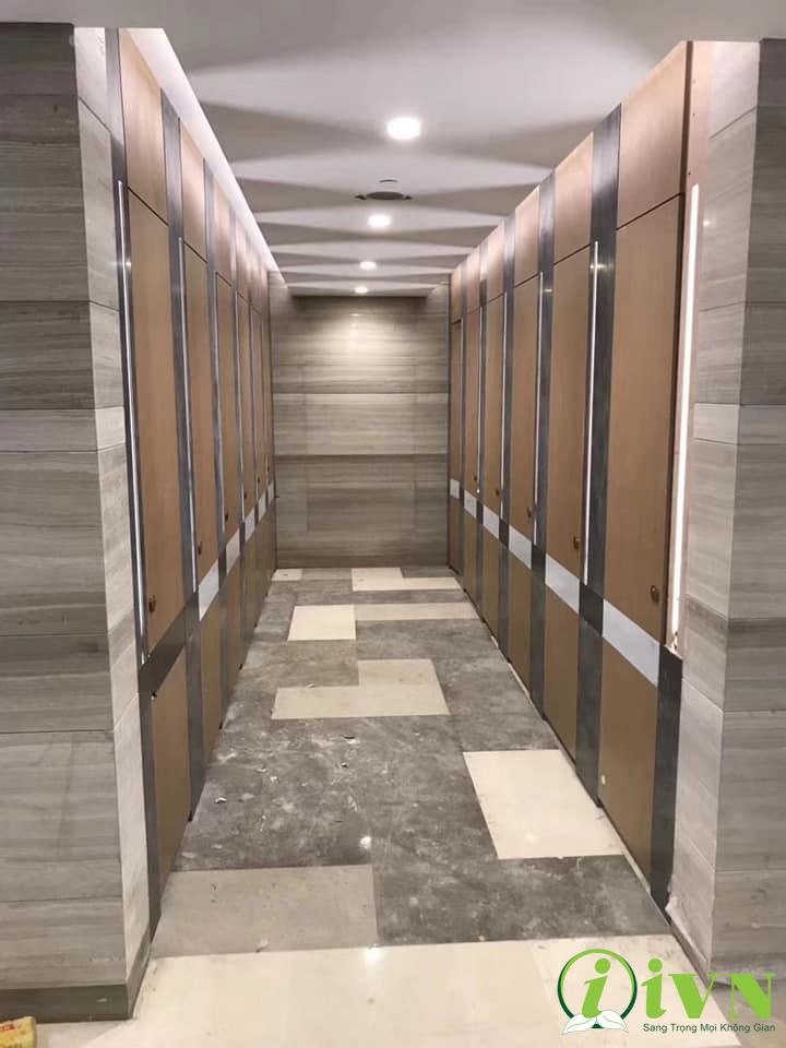 công trình vách ngăn vệ sinh sang trọng ở trung tâm thương mại