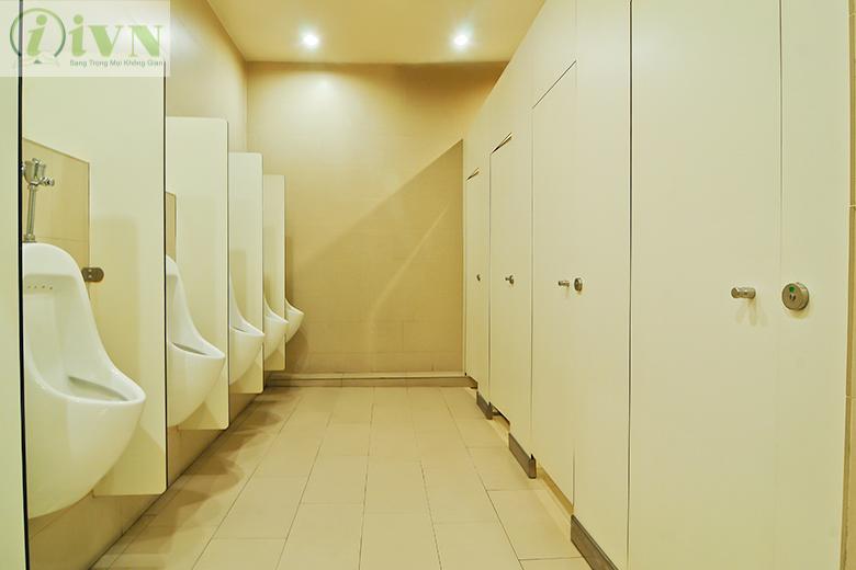 vách ngăn vệ sinh cho bệnh viện (2)