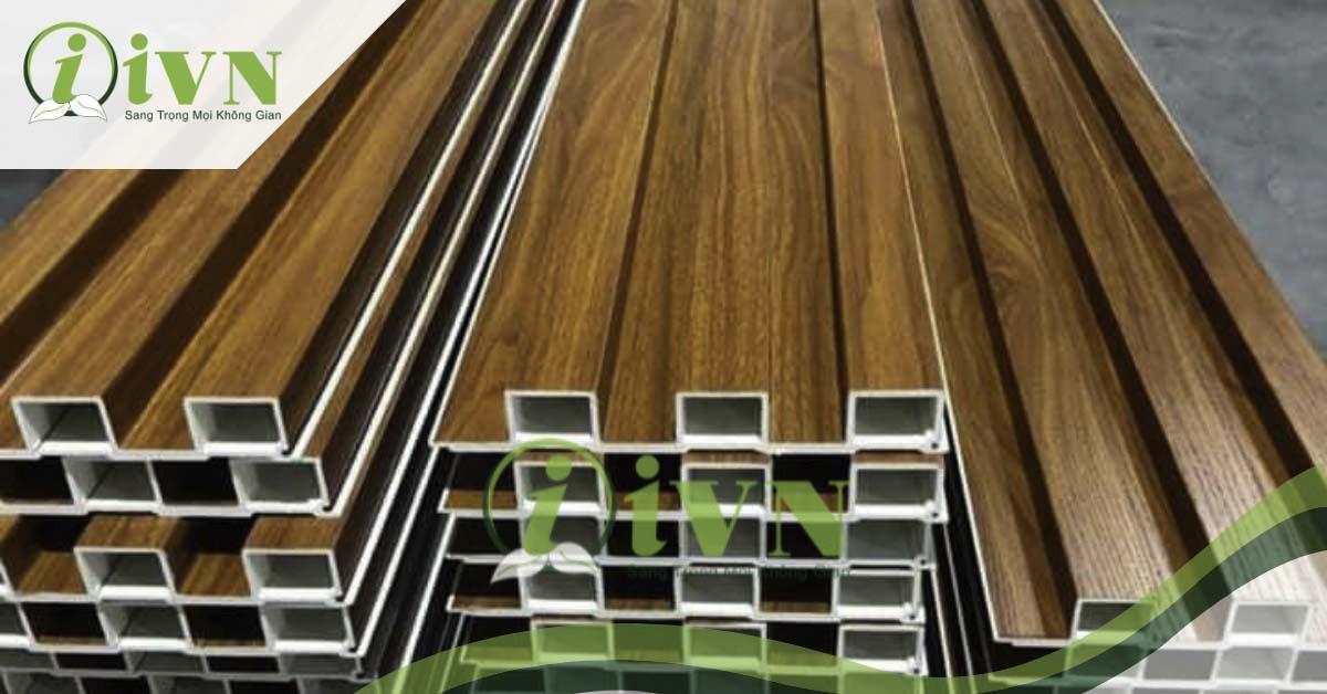 thiết kế nhà cùng tấm nhựa lam sóng giả gỗ