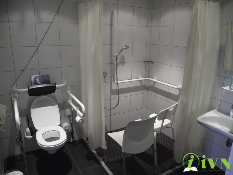 tay vịn nhà vệ sinh (6)