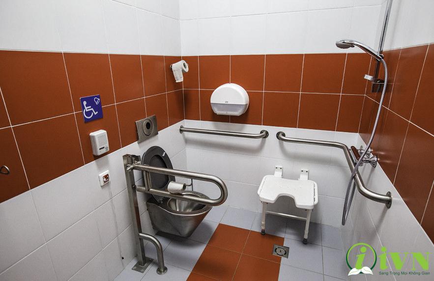 tay vịn nhà vệ sinh cho người khuyết tật (3)